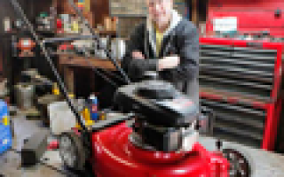 Двигатель газонокосилки работает рывками